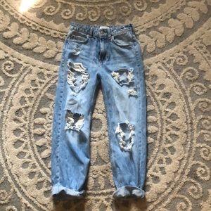 Hi-rise Mom Jeans